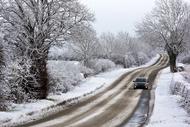 shutterstock_152449781-car-in-snow.jpg